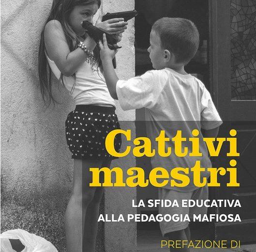 """La copertina del libro """"Cattivi maestri"""""""