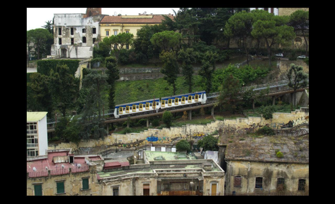 Funicolare di Montesanto, Via S.Cristofaro all'Olivella, Napoli, Dmitrij Musella