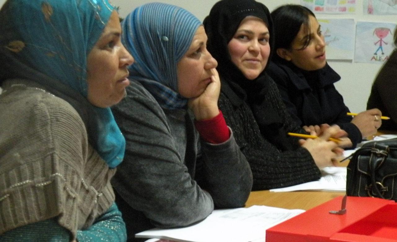 Monia Gangarossa, Lezione di italiano per donne straniere, Centro Creuza de Ma,Vittoria (RG)