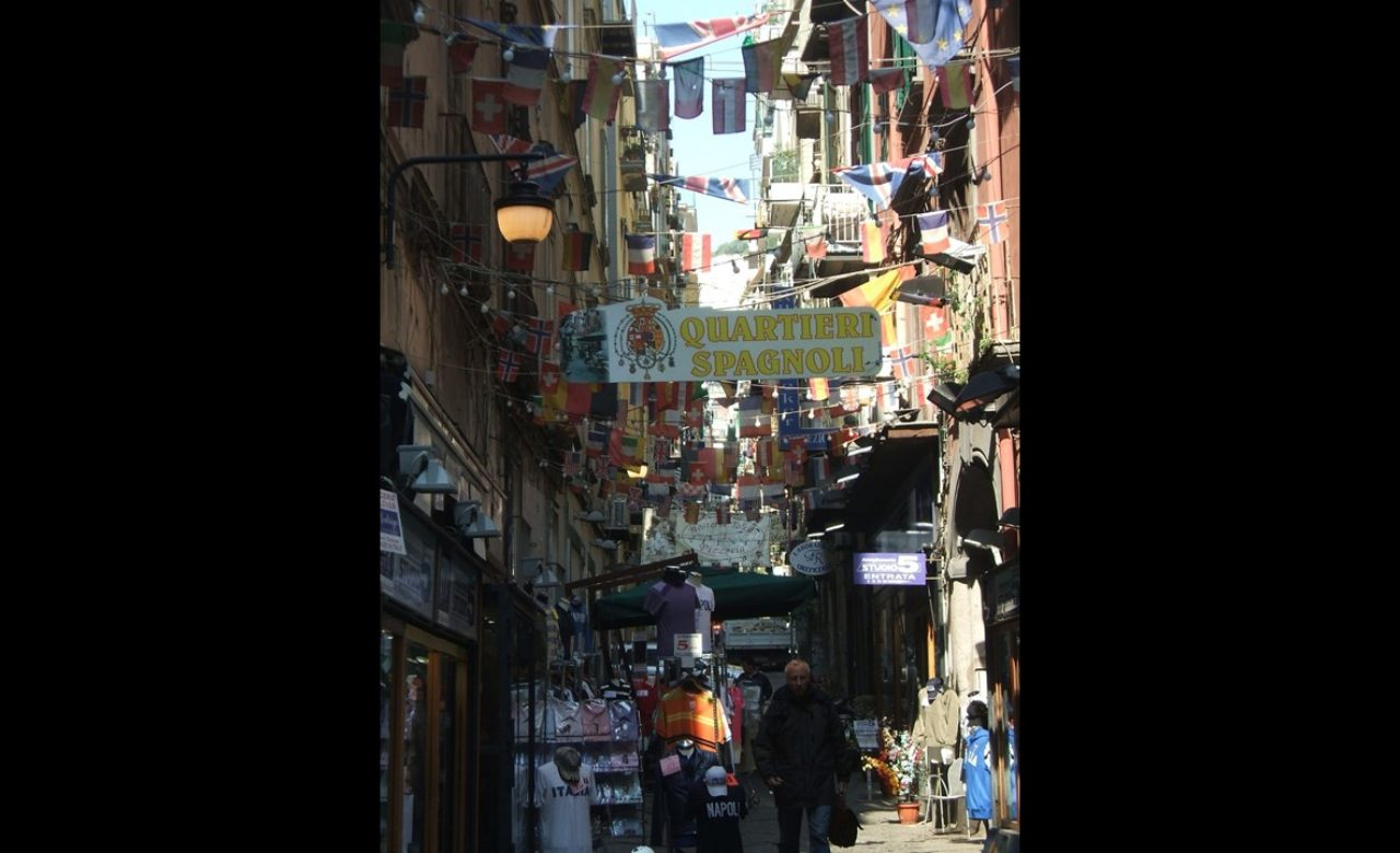 Valentina De Paolis – Un Sud a colori, quartieri spagnoli, Napoli