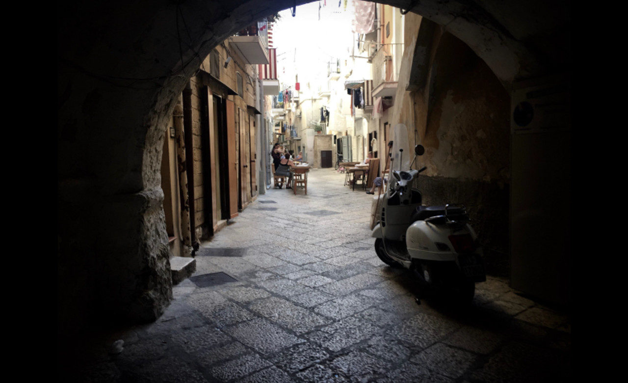 Laura Sansavini, Le Vie Delle Orecchiette, Bari