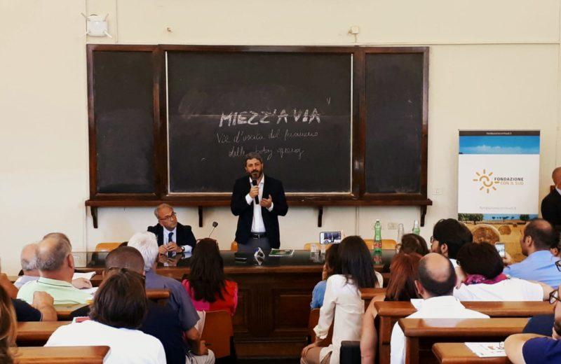 Miezz'a via, foto dell'incontro, con il Presidente della Camera Roberto Fico