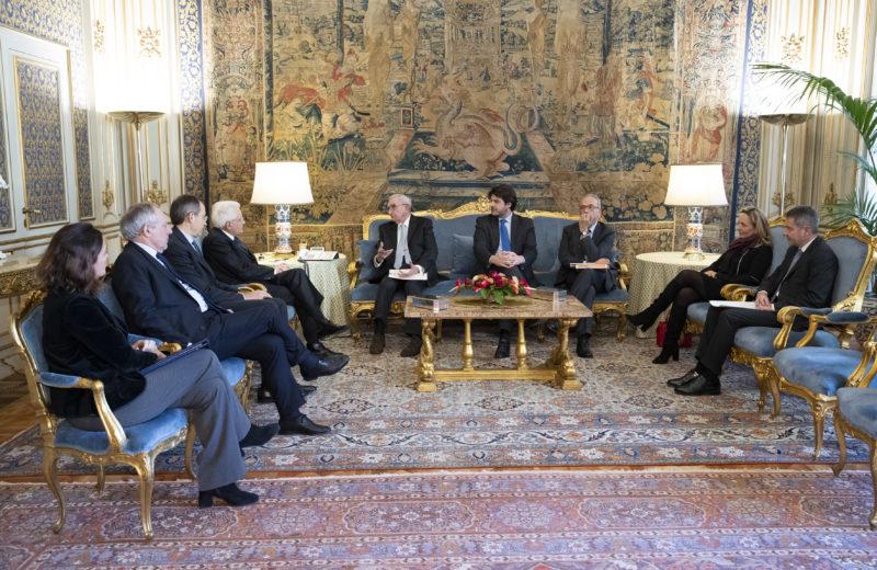 Il Presidente Sergio Mattarella riceve una delegazione del Fondo per il contrasto della povertà educativa minorile. (foto di Francesco Ammendola - Ufficio per la Stampa e la Comunicazione della Presidenza della Repubblica)