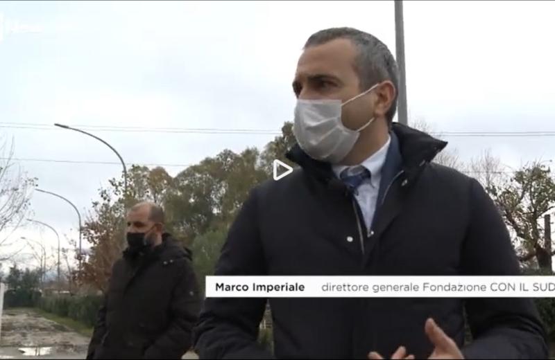 Marco Imperiale, direttore generale della Fondazione CON IL SUD, interviene durante il reportage di Cammina Italia